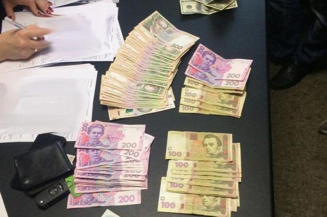 В Житомире за взятку задержан чиновник горсовета