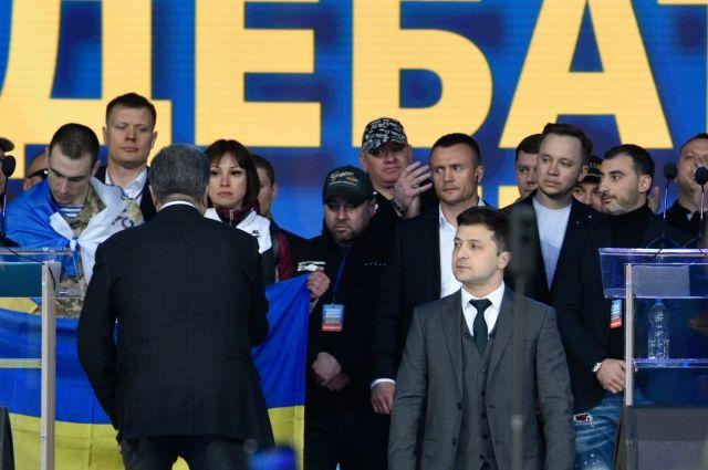 В соцсетях обсуждают дебаты Зеленского и Порошенко