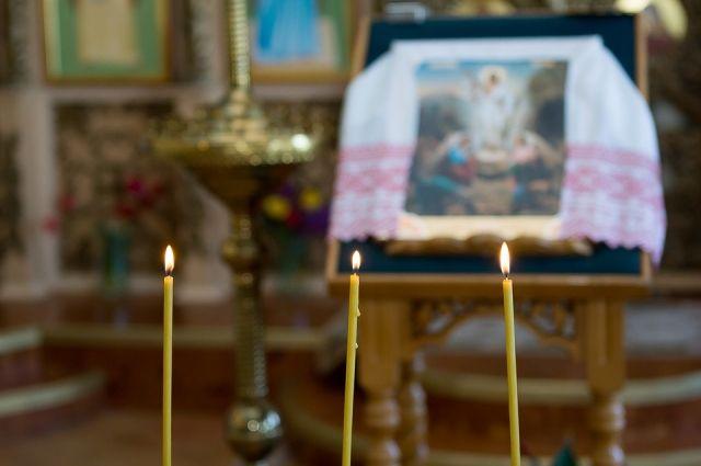 В храм на родине Петра Ершова передали две старинные иконы