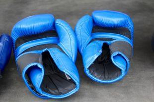Боксер из Ноябрьска вернулся на Ямал с поясом WBA Continental