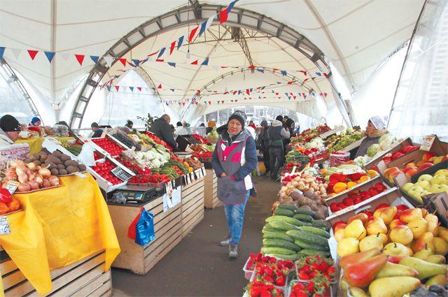 Рынок на Нахимовском проспекте работает ежедневно.