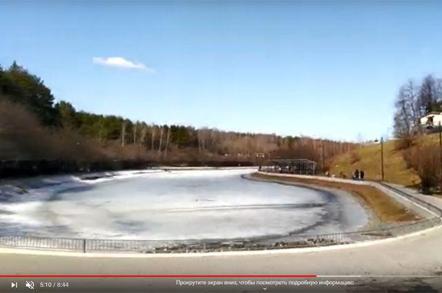 Пруд Запятая зимой.