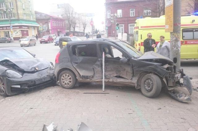 В ДТП на Комсомольском проспекте пострадали двое детей