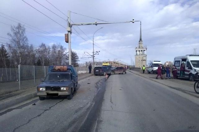 Авария произошла днём в воскресенье, 21 апреля.