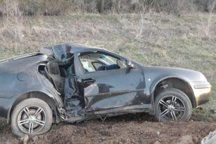 На трассе Оренбург–Илек Skoda врезалась в опору ЛЭП, погиб водитель