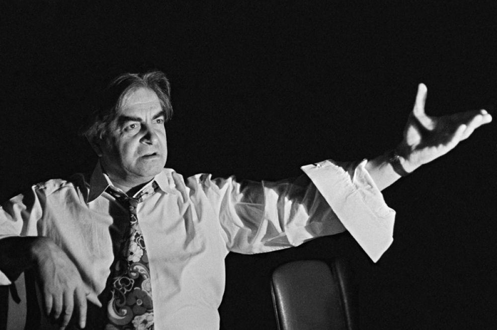 Театральный режиссер, создатель и художественный руководитель Театра на Таганке Юрий Петрович Любимов.