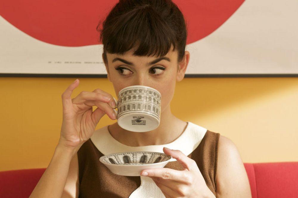 В романтическом триллере «Разомкнутые объятия» Педро Альмодовара Крус сыграла актрису и любовницу продюсера Лену.