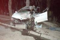 Сначала автомобилист врезался в знаки и только потом – в транспортное средство.