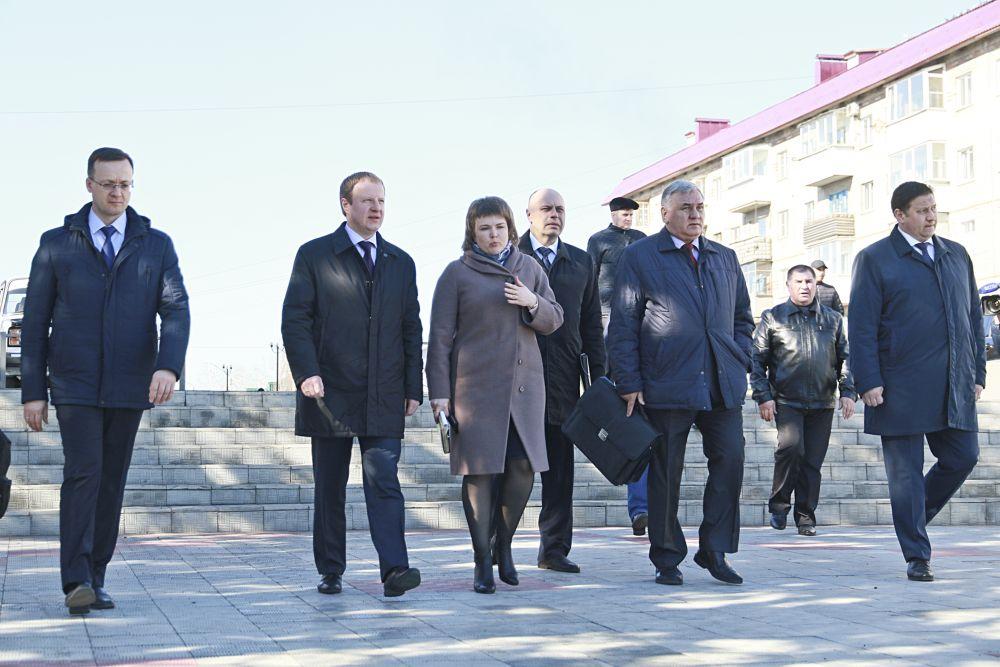 Впервые в Каменский район прибыла целая делегация правительства Алтайского края во главе в губернатором Виктором Томенко.