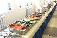 Шведский стол в школьной столовой уже доказал свою эффективность – дисциплинировал детей, сформировал у них чувство ответственности, да и, наконец, просто улучшил их аппетит и настроение.
