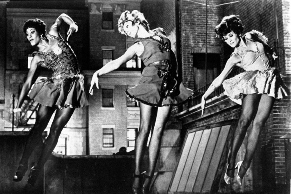 Среди других значительных актерских работ Ширли Маклейн — «Милая Чарити»,