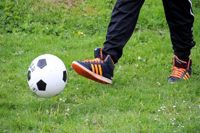 В Ноябрьске стартовал детский турнир по футболу «Юная звездочка»