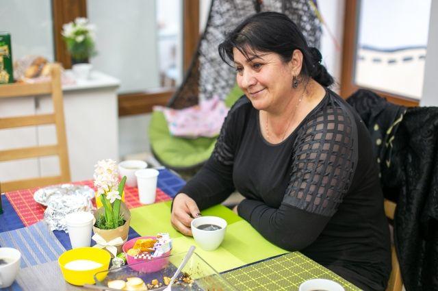 Зумрият Резаханова приехала в Омск пообщаться с мамами тяжелобольных детей.