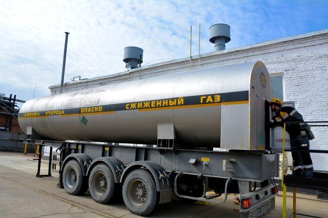 Автомобильную цистерну объёмом 18 кубов изготовили по спецзаказу ангарских нефтехимиков.