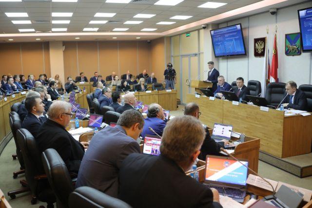 Между органами власти и депутатами налажен диалог.