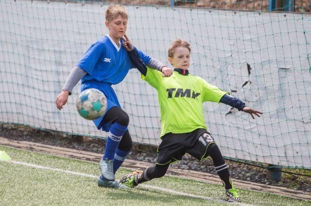 Омский школьник позвал на уроки футболистов «Иртыша»