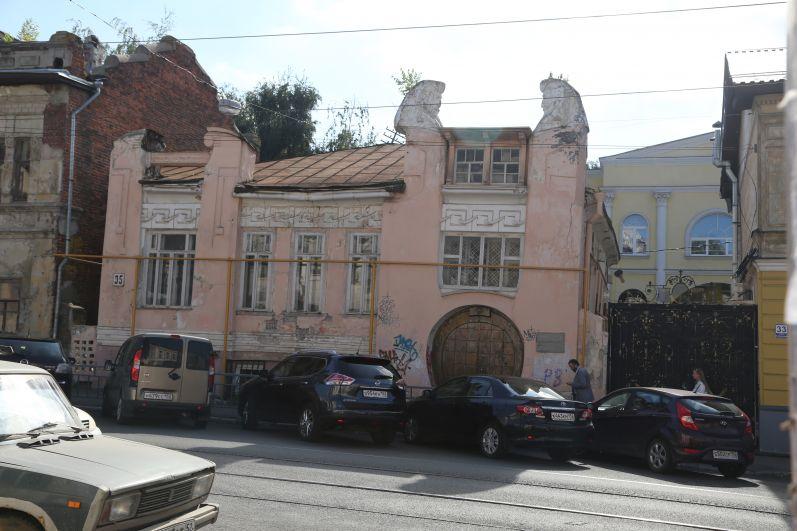 Игорный дом в 2017 году имел плачевное состояние.