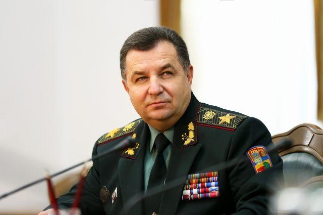 Полторак сообщил, что РФ продолжает наращивать свои войска на границе с Украиной