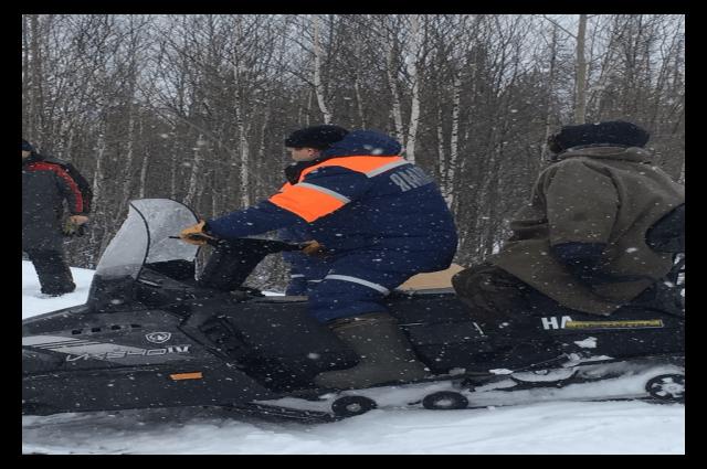 Жителю Ноябрьска, заблудившемуся в лесу, понадобилась помощь спасателей