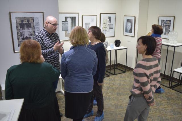 Выставка Рене Лалика «Властелин стекла» проходит в эти дни в галерее «Уникум».