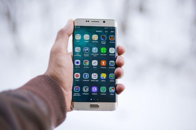 В Тобольске покупатель украл из ТЦ новый сотовый телефон