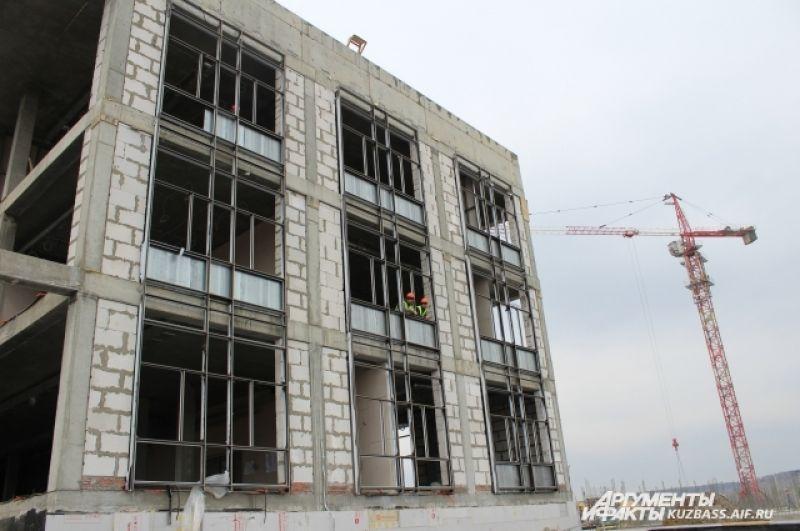 После полного завершения строительства в Президенстком кадетском училище будут жить и учиться 840 воспитанников.