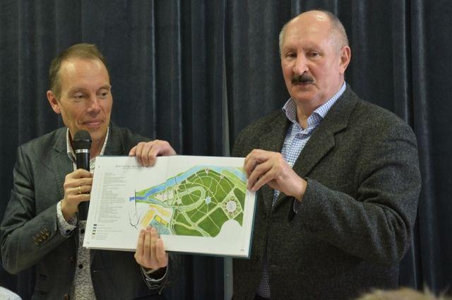 В Оренбурге презентовали новую книгу об областном центре.
