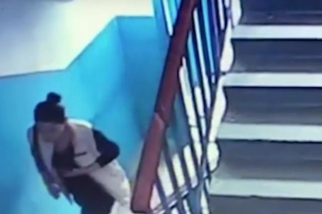 В Днепре женщина обманула девочку с целью ограбить квартиру