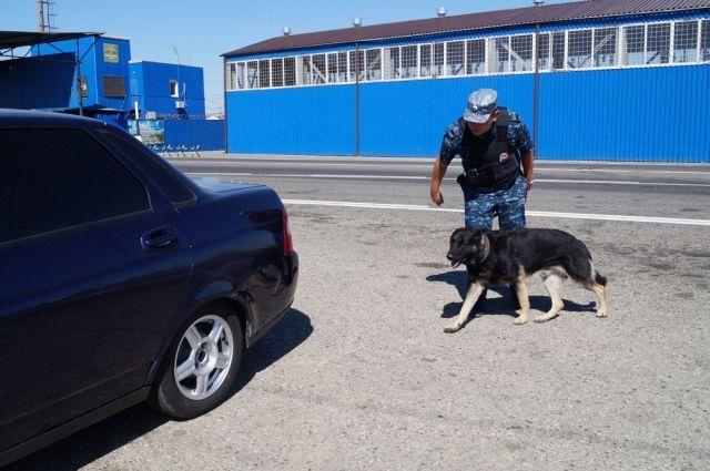 На КПП Северного Кавказа служат полицейские со всей страны.