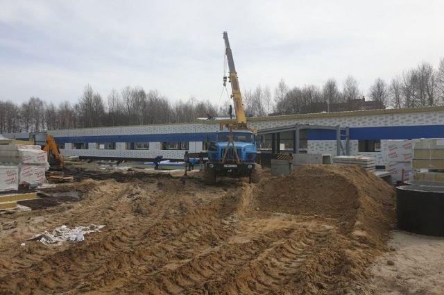 В Тобольске продолжается строительство сразу двух поликлиник