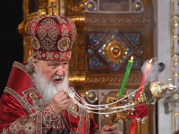 Патриарх Московский и всея Руси Кирилл на праздничном пасхальном богослужении в храме Христа Спасителя в Москве.