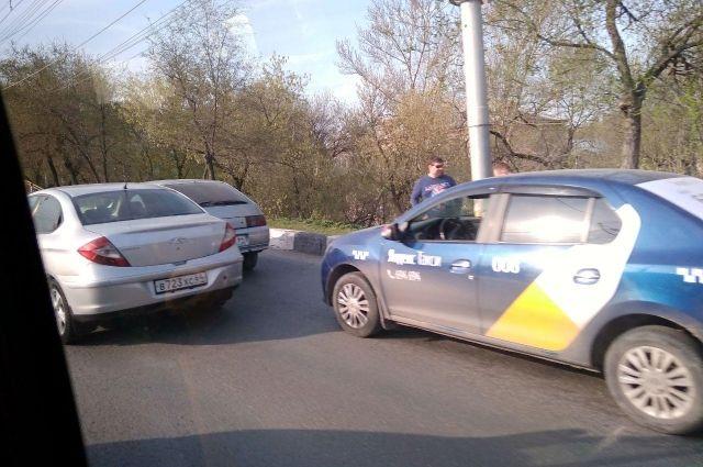Хабаровская автолюбительница изуродовала пассажирку такси.