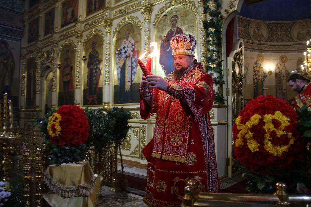 По цепочке Пасхальную святыню доставили и в храмы Коми.