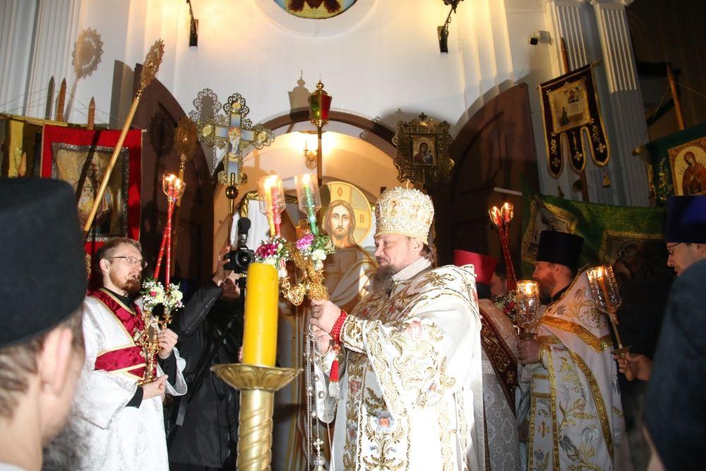 В этом году светлый праздник Пасхи православные начали отмечать в ночь с 27 на 28 апреля.