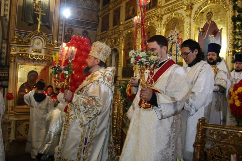 В Свято-Стефановском кафедральном соборе Сыктывкара прошла Божественная литургия.