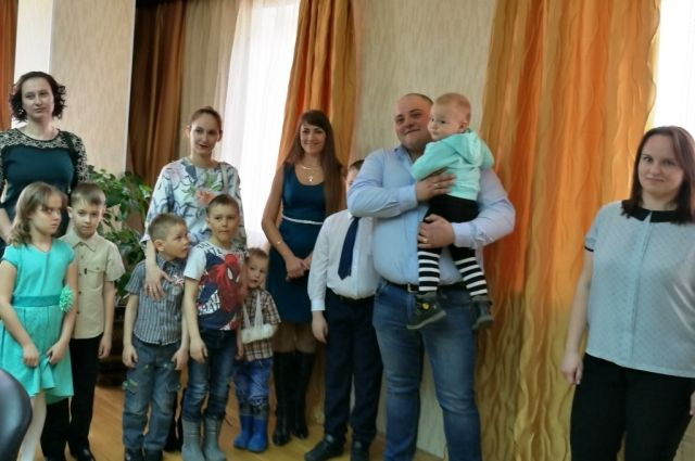 В Лабытнанги еще три молодые семьи станут новоселами