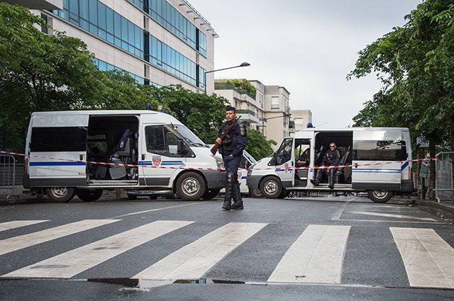 СМИ: Во Франции задержаны несколько человек, готовивших атаки на полицию photo
