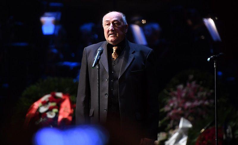 Актер Борис Клюев на церемонии прощания.