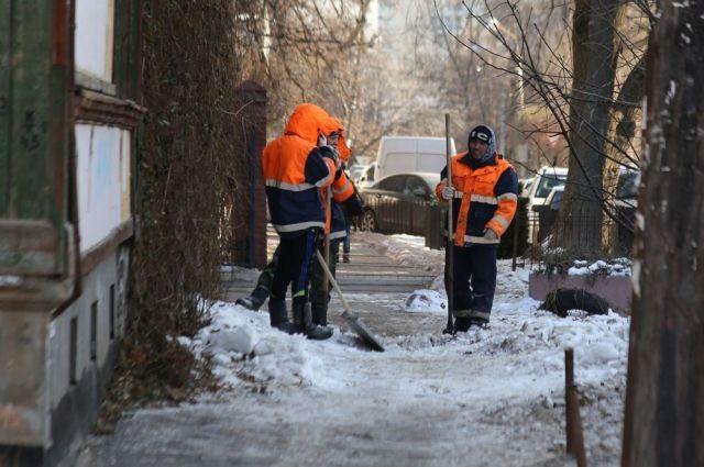 Дворник признался сотрудникам полиции в совершённом преступлении и добровольно выдал все похищенные радиаторы.