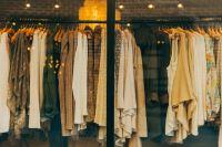Эксперты обнаружили, что двести единиц товара, в том числе детская одежда, не имели маркировку с необходимой информацией.