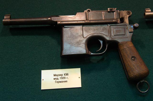 Маузер К96 модель 1920 года (Германия) из коллекции оружия экспертно-криминалистического центра ГУ МВД России по городу Москве.