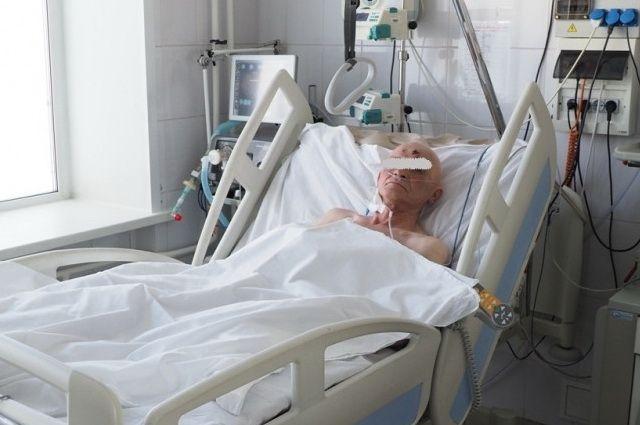 После 24 разрядов в 5 000 вольт реаниматологам краевой клинической больницы удалось «завести» сердце мужчины