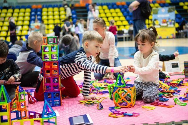 Тюменскую семейную игротеку посетили 905 человек