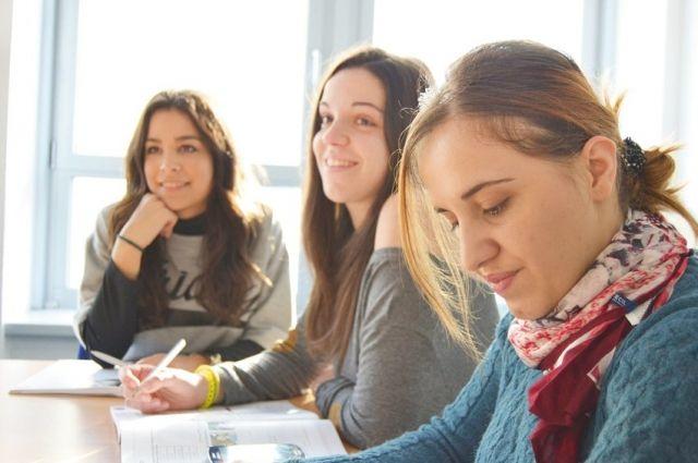 Талантливые тюменские студенты могут выиграть 50 тысяч рублей