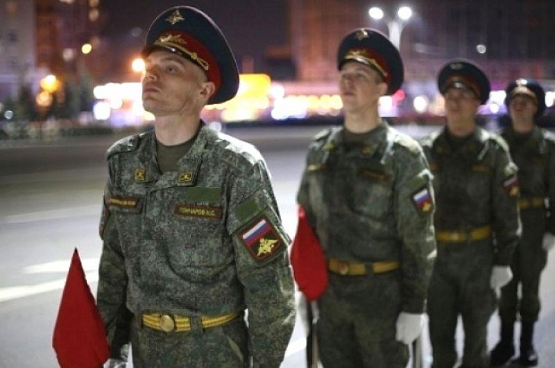 9 мая торжественным маршем по главным площади и улице Ростова пройдут более двух с половиной тысяч военнослужащих.