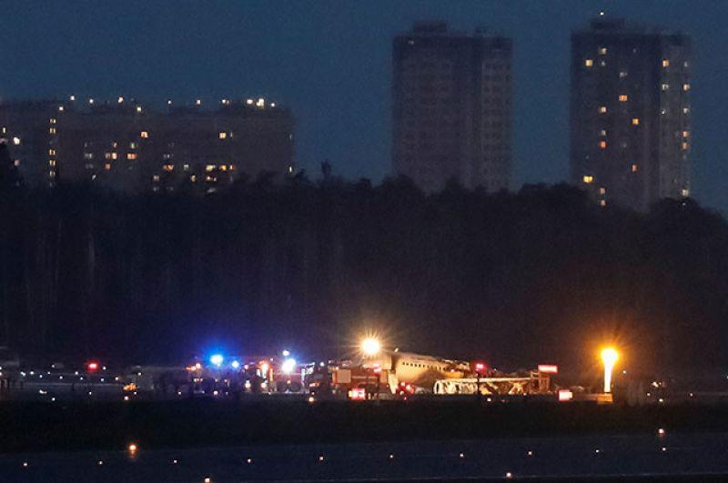 Sukhoi Superjet 100 после того, как пожар был потушен.