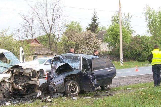 fd08e4040e82a Жуткое ДТП в Винницкой области: четыре погибших, двое пострадавших ...