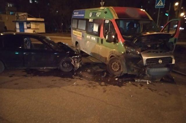 В Ижевске шесть человек получили травмы в ДТП по вине пьяного водителя