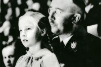 Генрих Гиммлер с дочерью Гудрун. 1938 г.