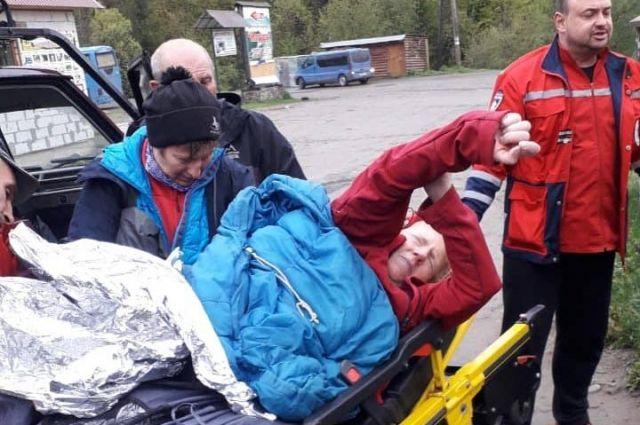 В Карпатах спасатели спасли туристку из Чехии, которая была без сознания